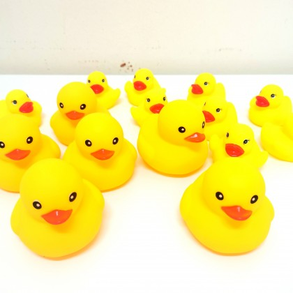 369toy Kids Bath Toy Big Duck Small Ducks Small Animals